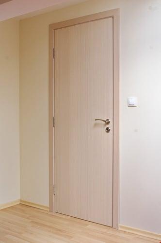 vrata-laminat-kompos-s-zaoblen-pervaz
